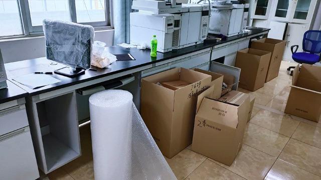 东方实验室设备搬运人员要与时俱进