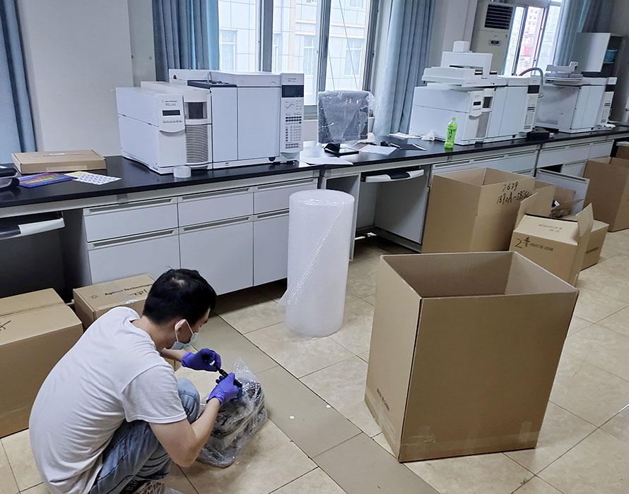 东方实验室设备搬运